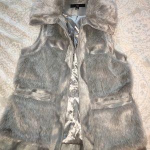 Jackets & Blazers - Gray faux fur vest